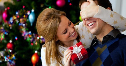 10 Best New Year Gift Ideas for Your Husband | Funky Gifts India